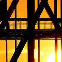 Werk bei Sonnenuntergang